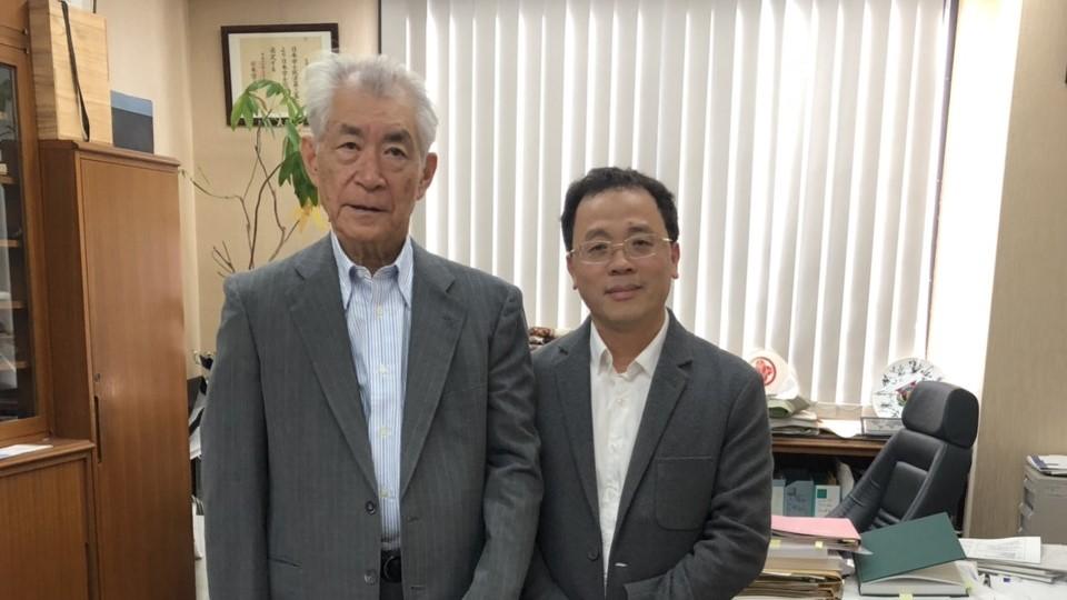 Hiệu Trưởng Tạ Thành Văn cùng Giáo Sư